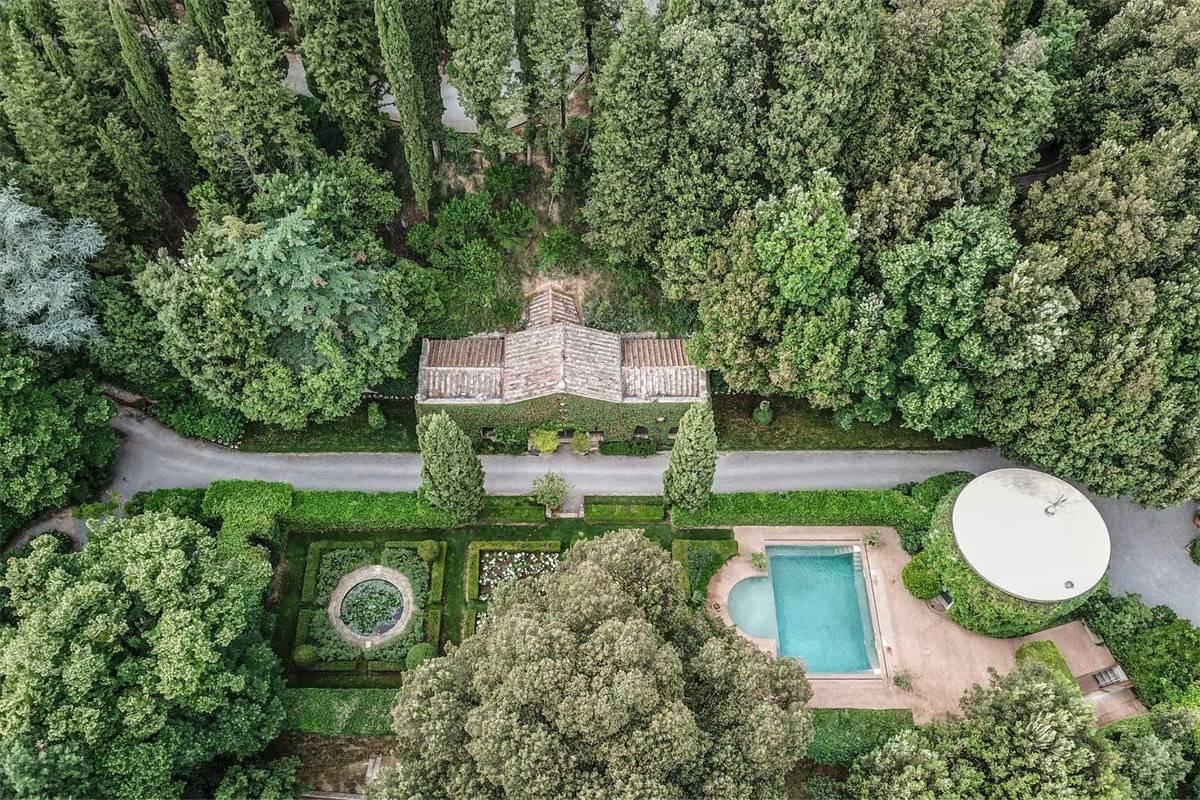 La villa di Valentino in Toscana
