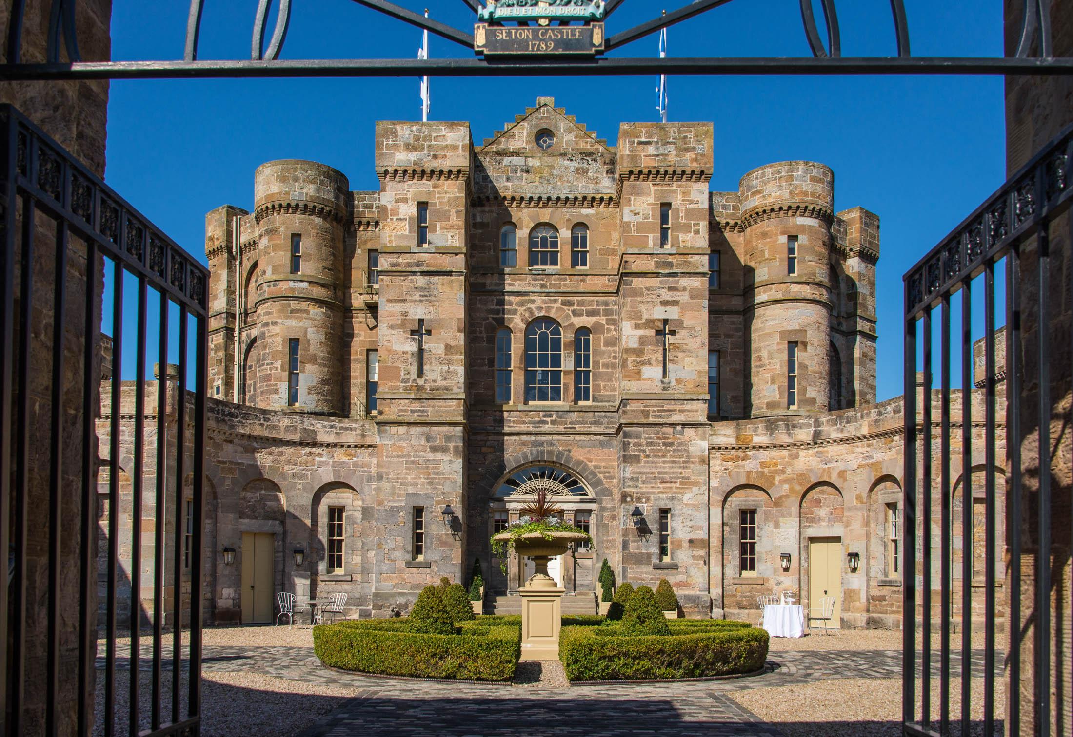 Il castello ha più di 200 anni / Savills