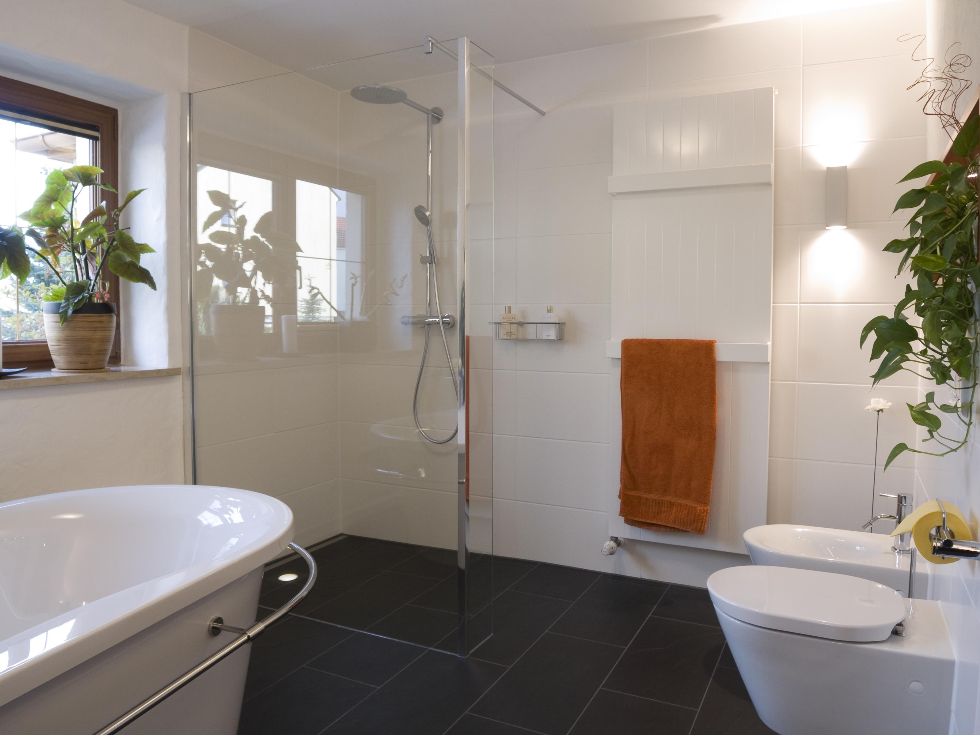 Trasformare un ripostiglio in un bagno / Gtres