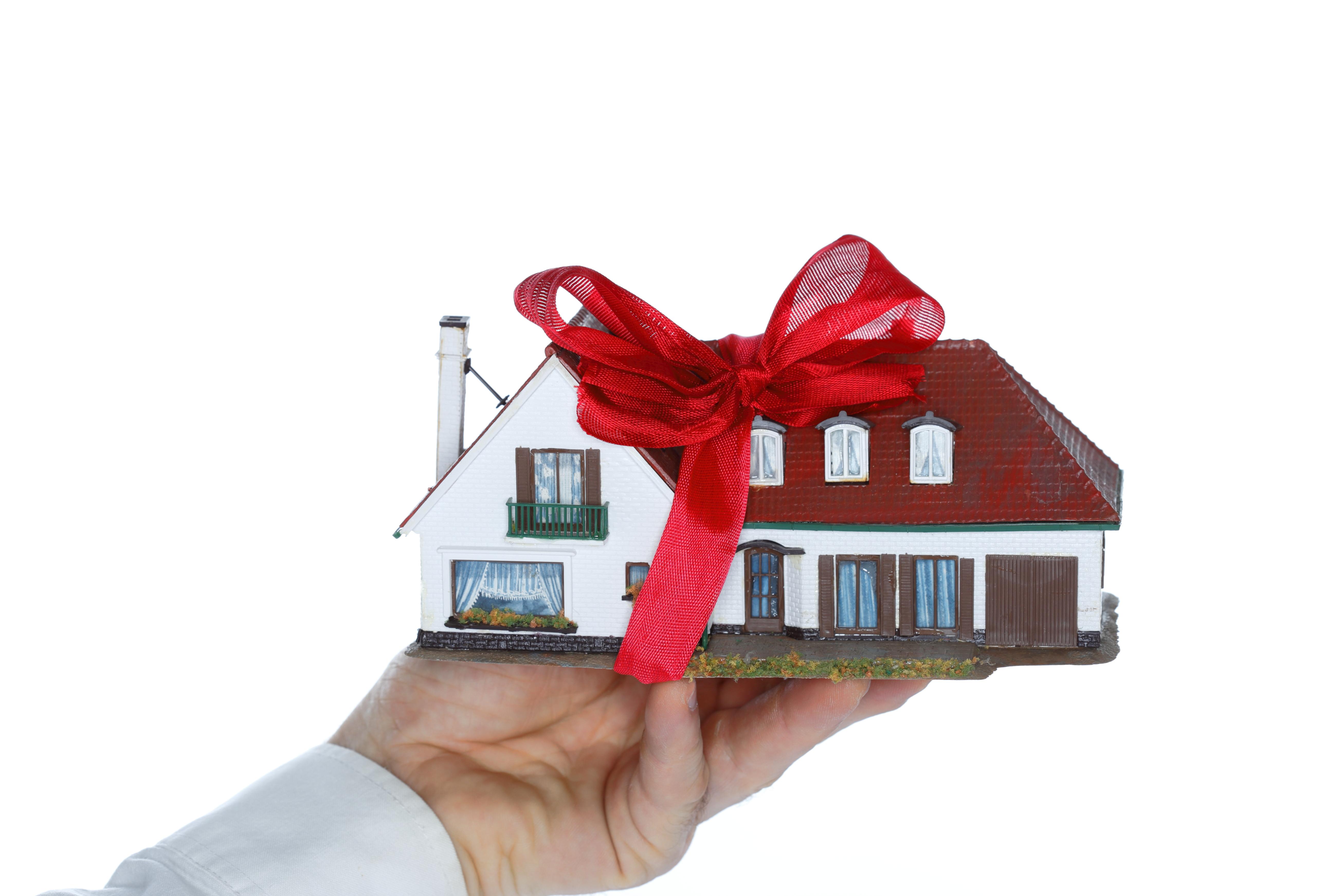 Donazione diretta o indiretta di un immobile / Gtres
