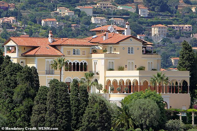 Ha speso 90 milioni di euro per una casa per le feste del jet set