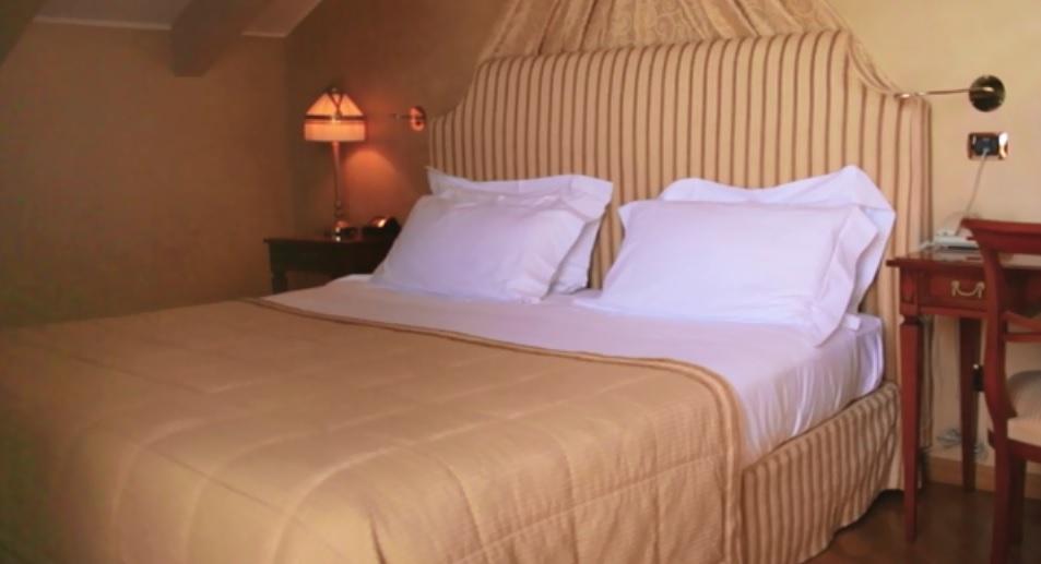 Camera da letto / castellodalpozzo.com