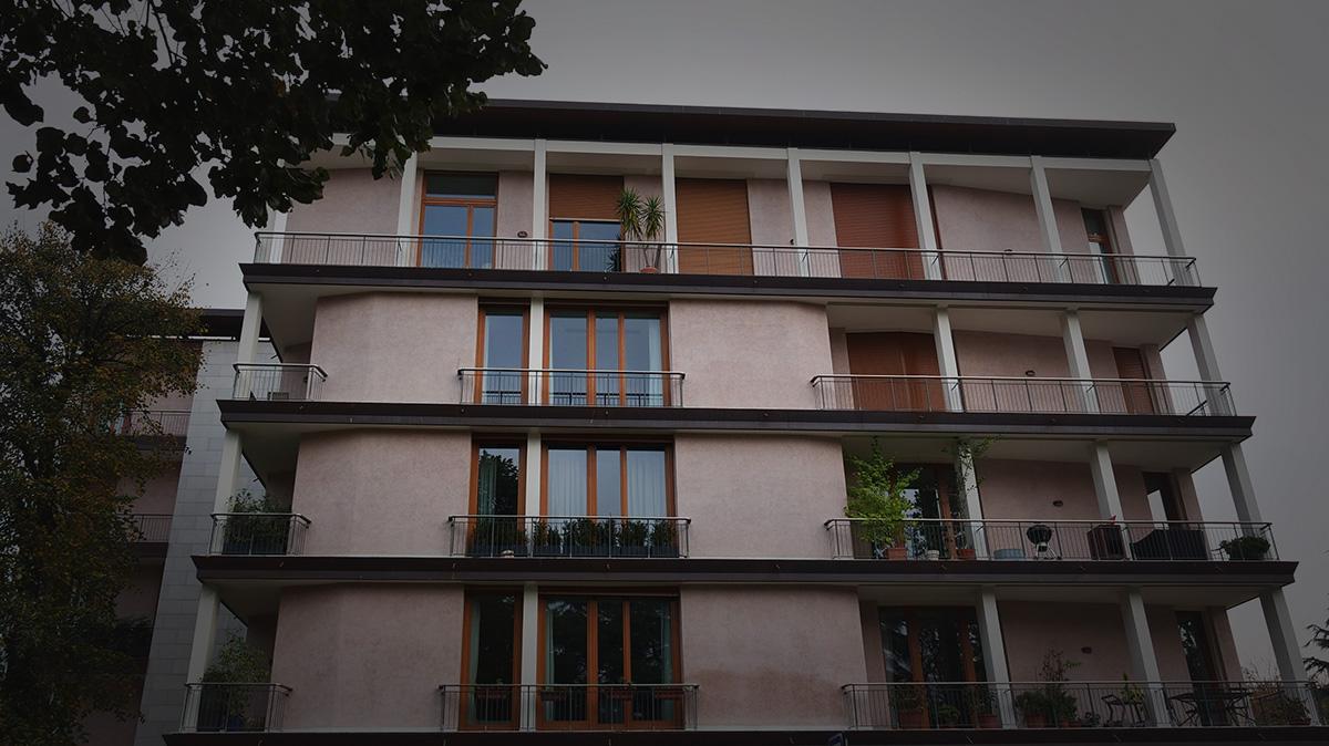 Facciata lato via Gadio / Giovanni De Faveri
