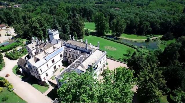 Veduta aerea / castellodalpozzo.com