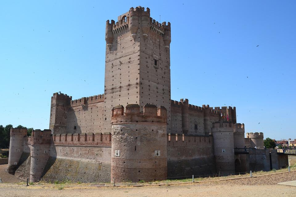 E' una fortezza medievale situata nella città di Medina del Campo