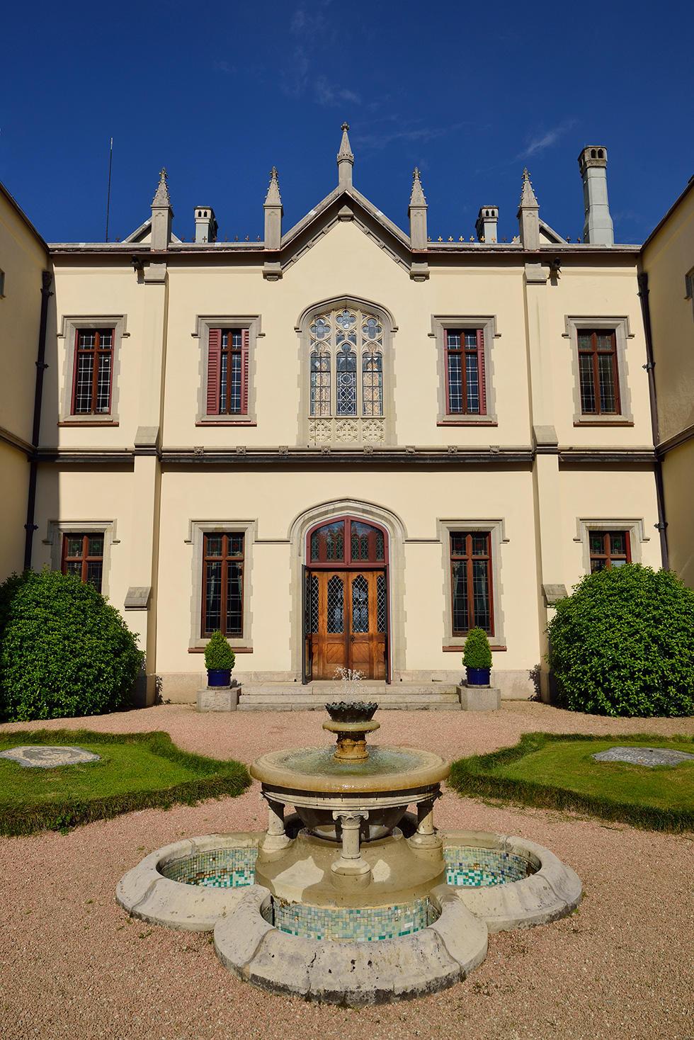 Facciata / castellodalpozzo.com
