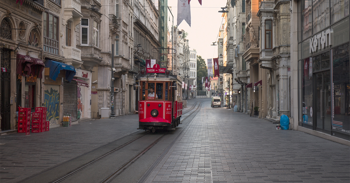 Tram sul viale İstiklal