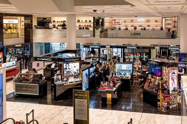 Un centro commerciale a Milano / Gtres