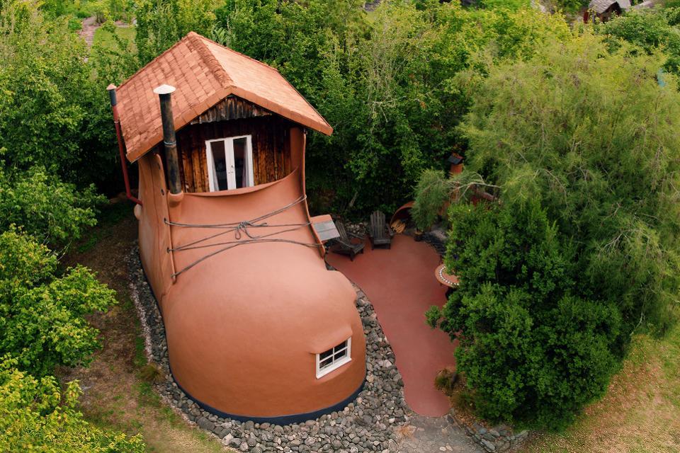 Una casa a forma di scarpa / Airbnb