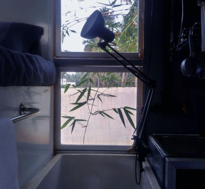 Con una finestra per dare lucec