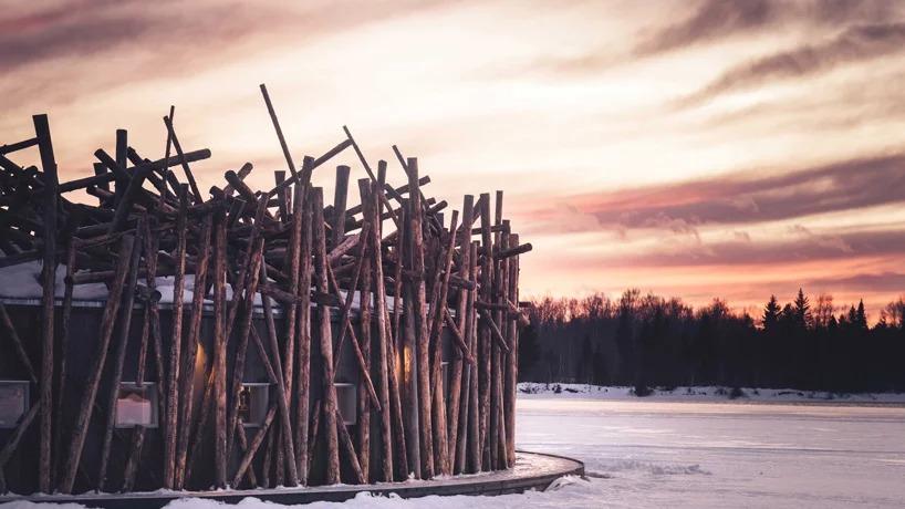 Particolari in legno prima del sole di mezzanotte / Arctic Bath/Anders Blomqvist/Pasquale Baseotto/Johan Jansson