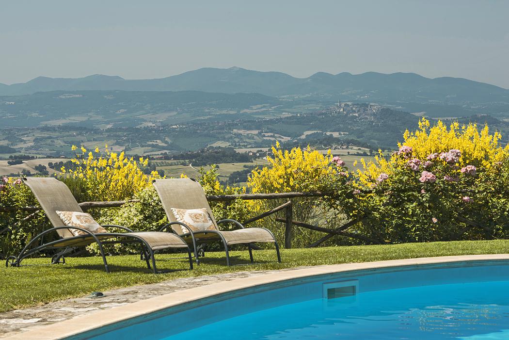 Villa Grifoni San Terenziano (Perugia) / Halldis