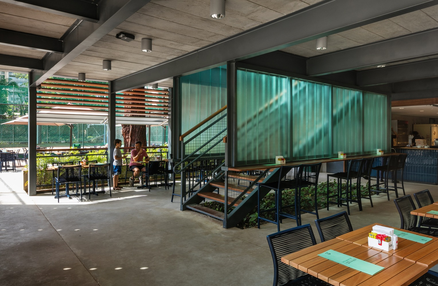 Alameda Restaurant – Esporte Clube Pinheiros/Biselli Katchborian Arquitetos + Zanatta Figueiredo / Nelson Kon