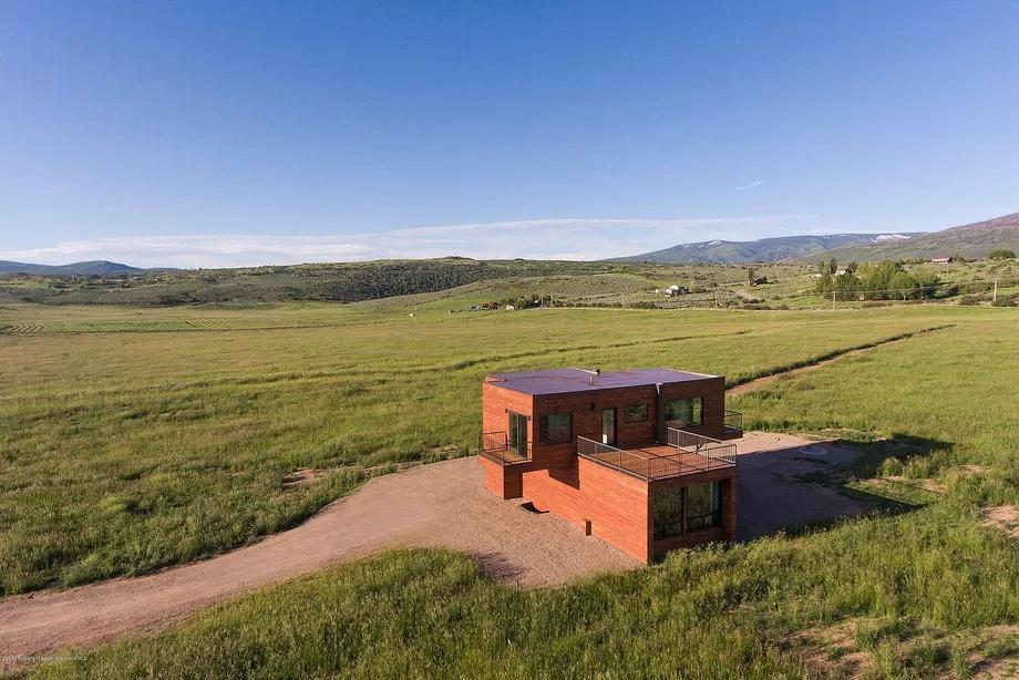 La vista sul ranch  / Douglas Elliman