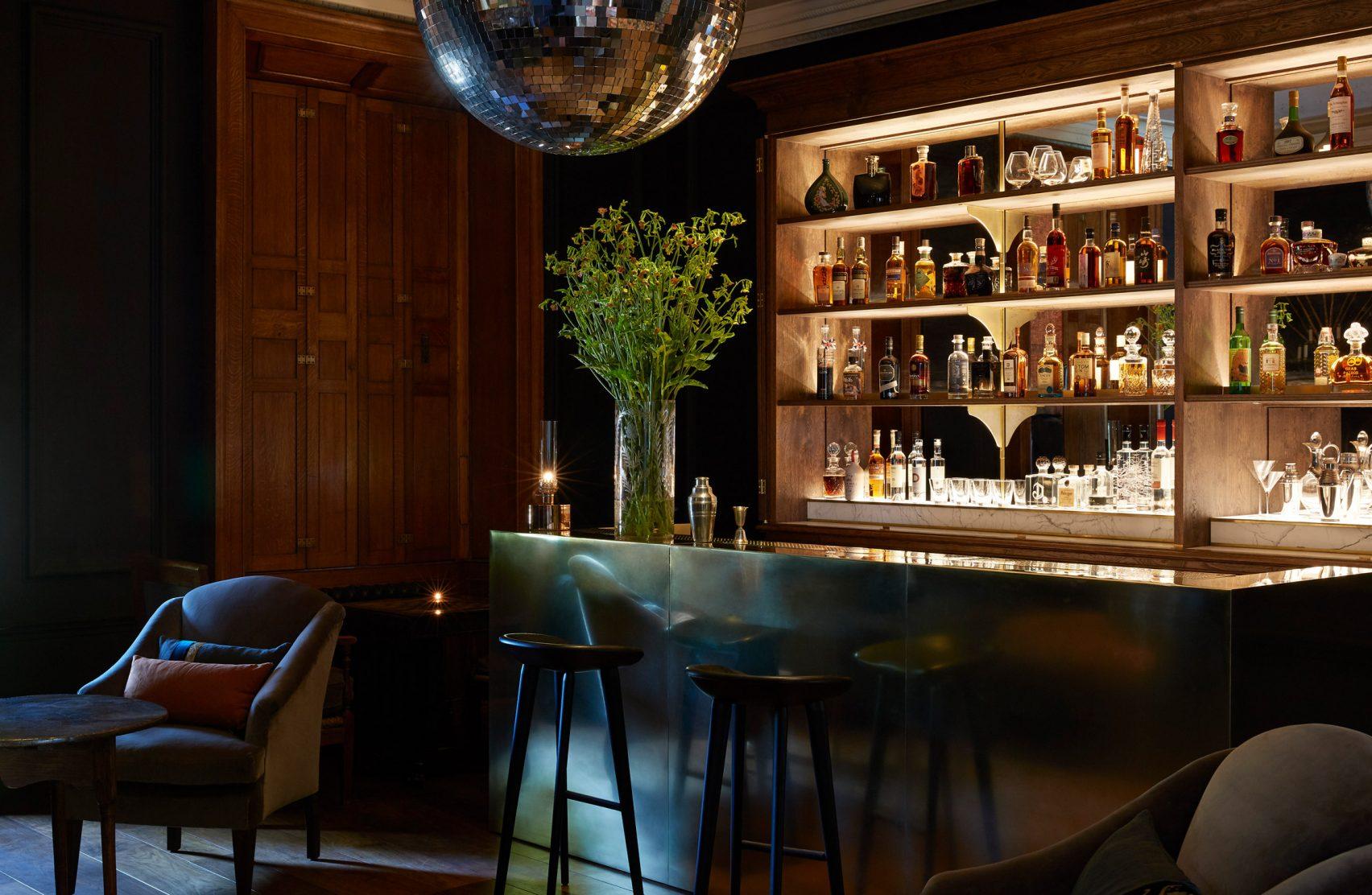 Bar ristorante / Peter Cook