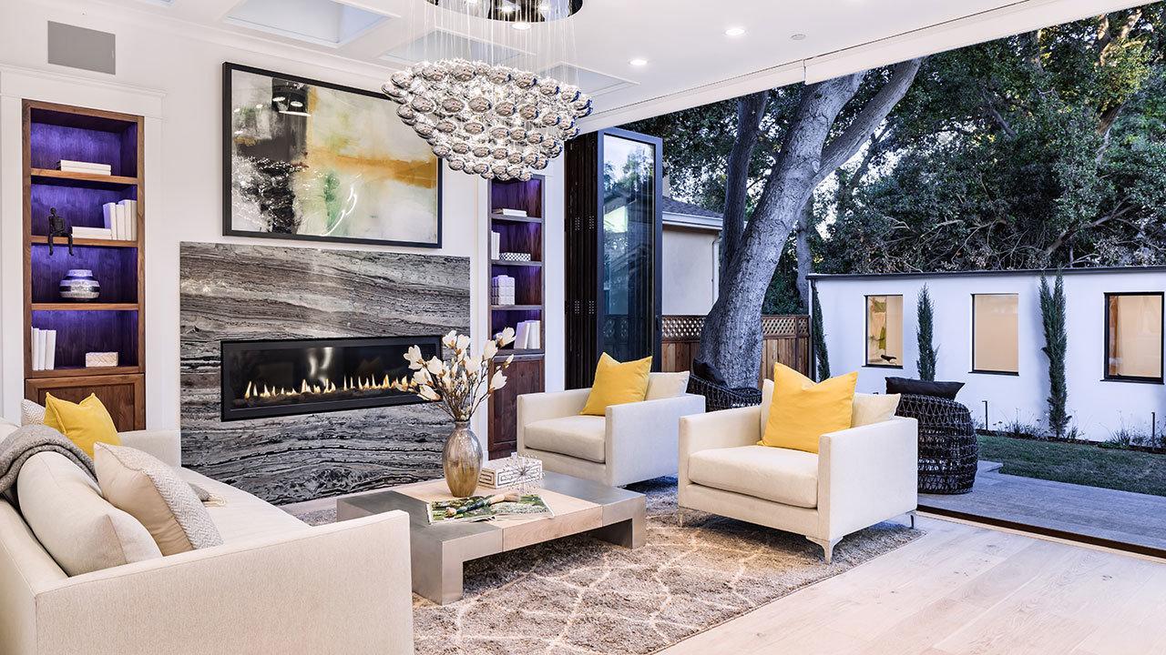 Salone aperto sulla terrazza / Mindframe LLC