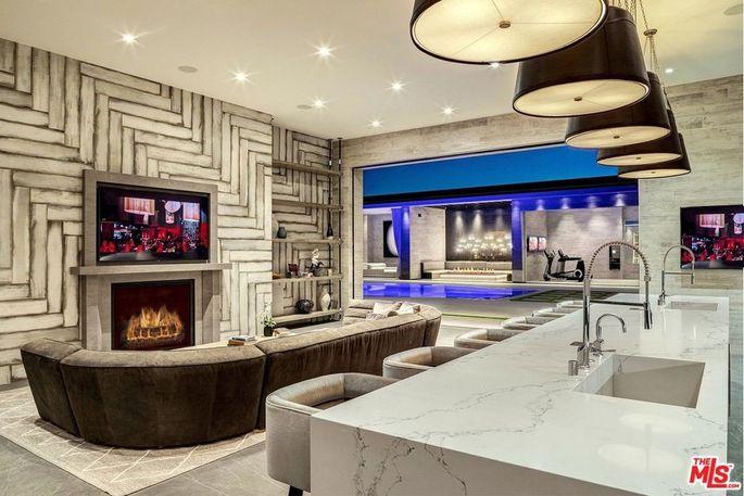Angolo bar e sala giochi / Realtor