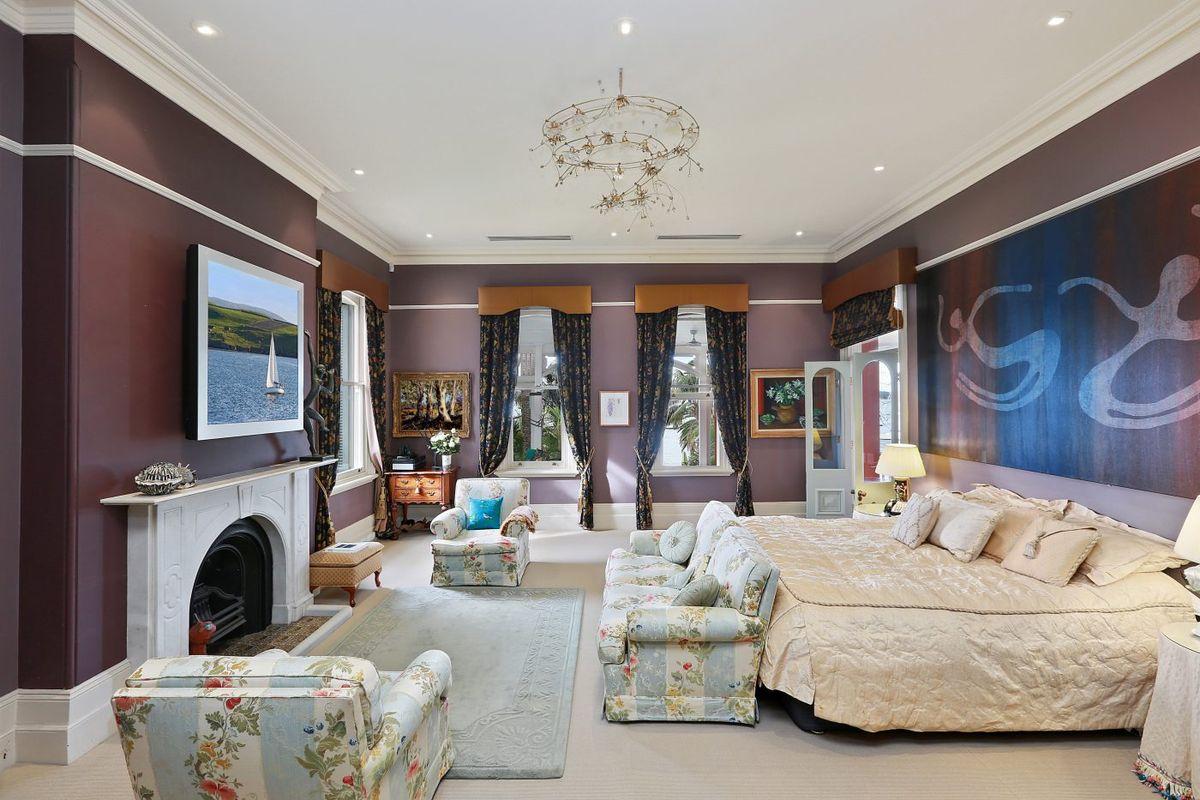 Camera da letto nella suite / Berthong.cve.io