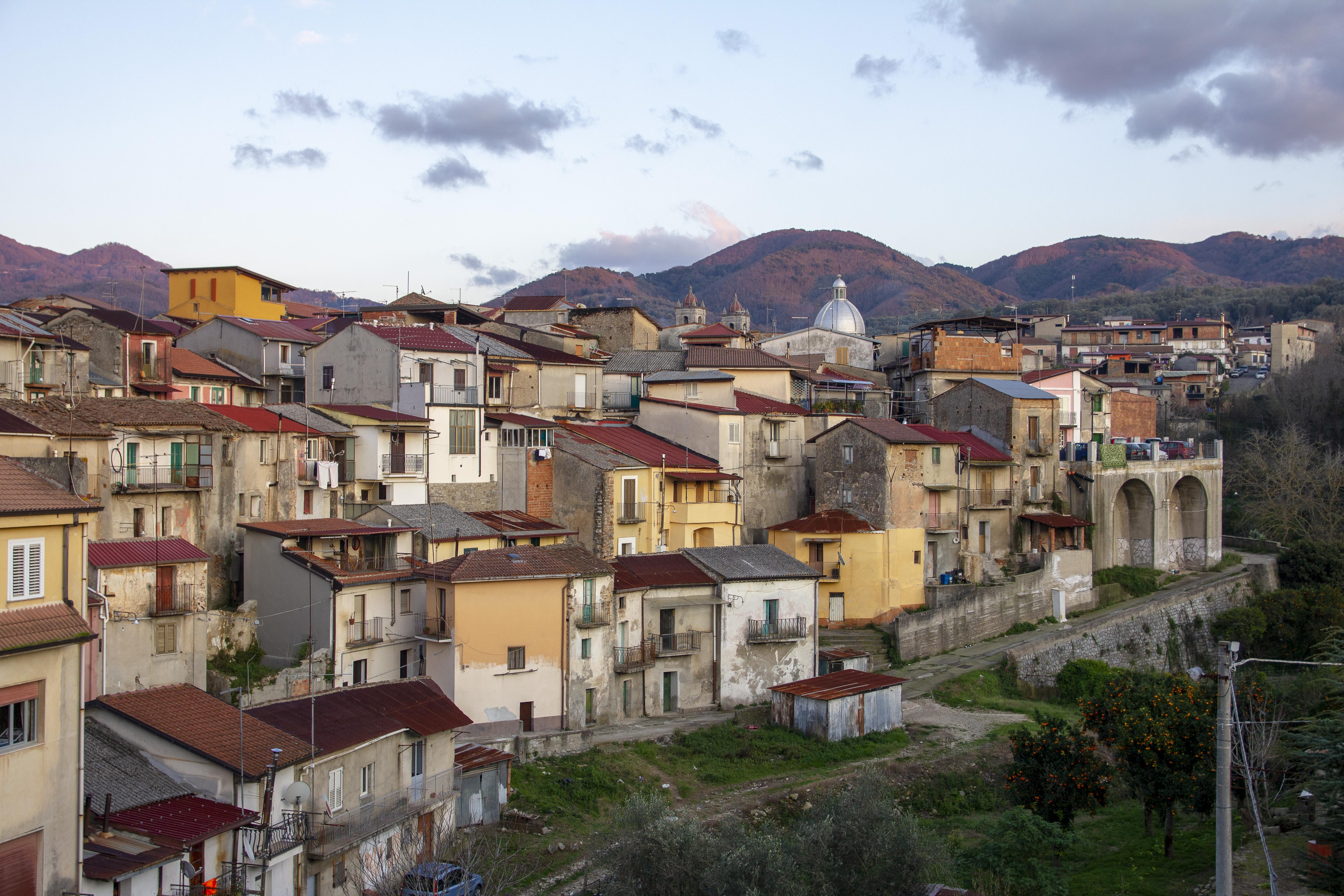 Comune di Cinquefrondi - Parte vecchia panoramica / Fotografie di Tullio Pronestì