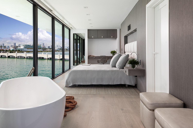 Un'altra camera da letto / Arkup