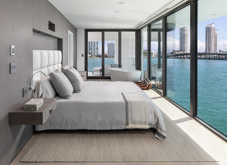 Una camera da letto / Arkup