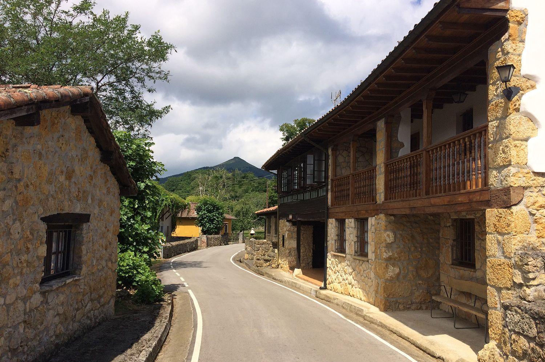 Il paesino possiede 12 edifici individuali