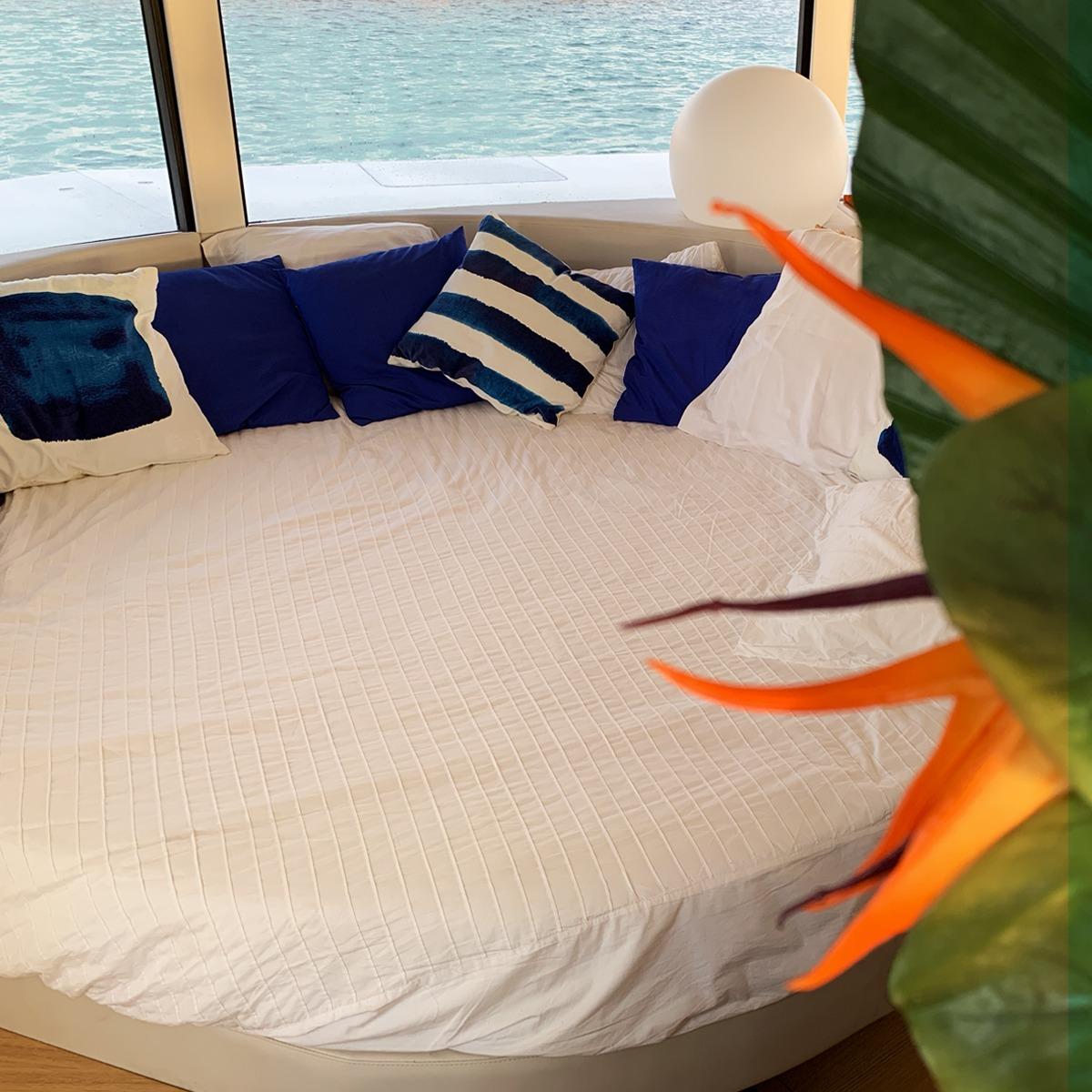 Una camera da letto / Anthenea