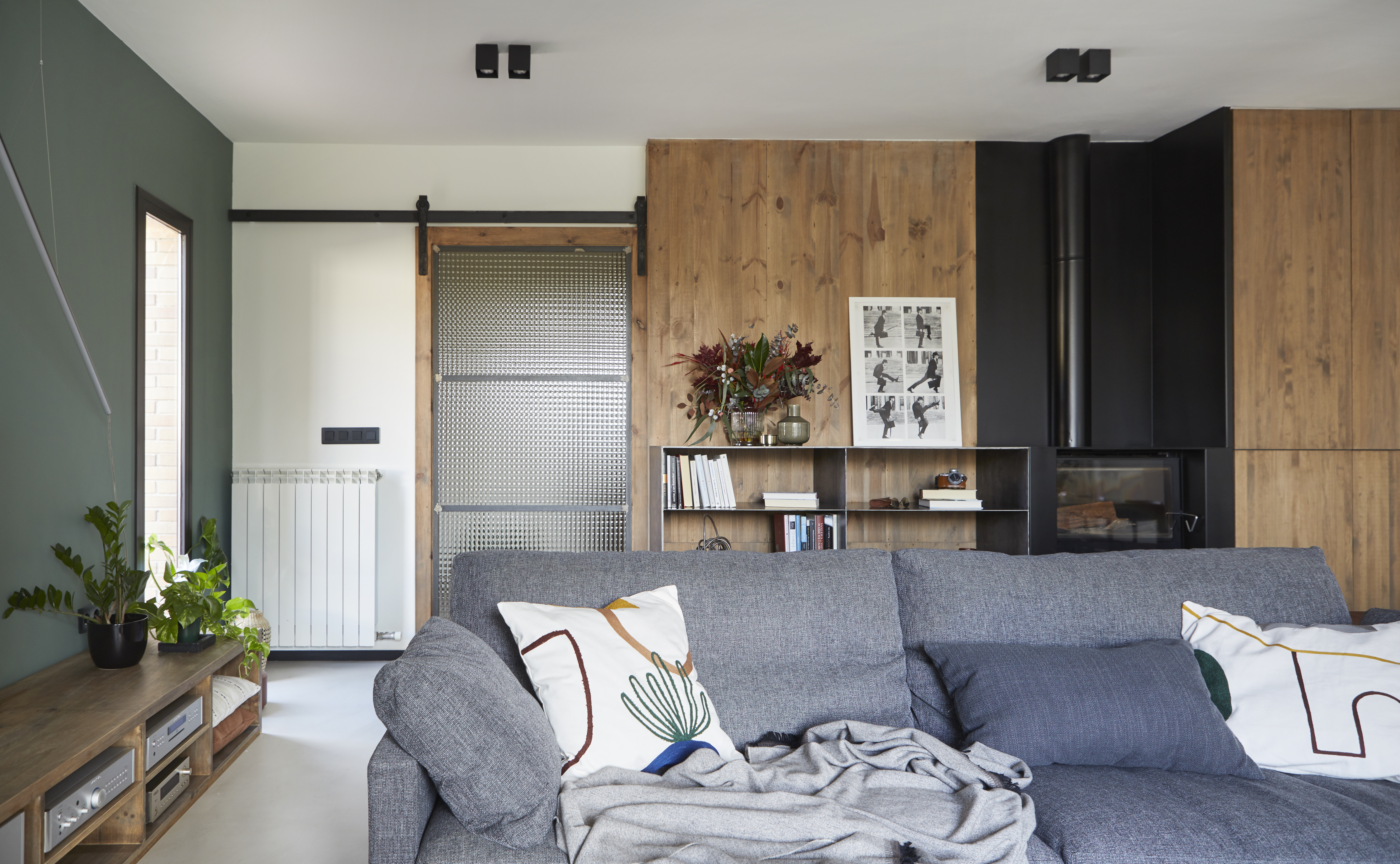 I sofà rompono con la decorazione di base