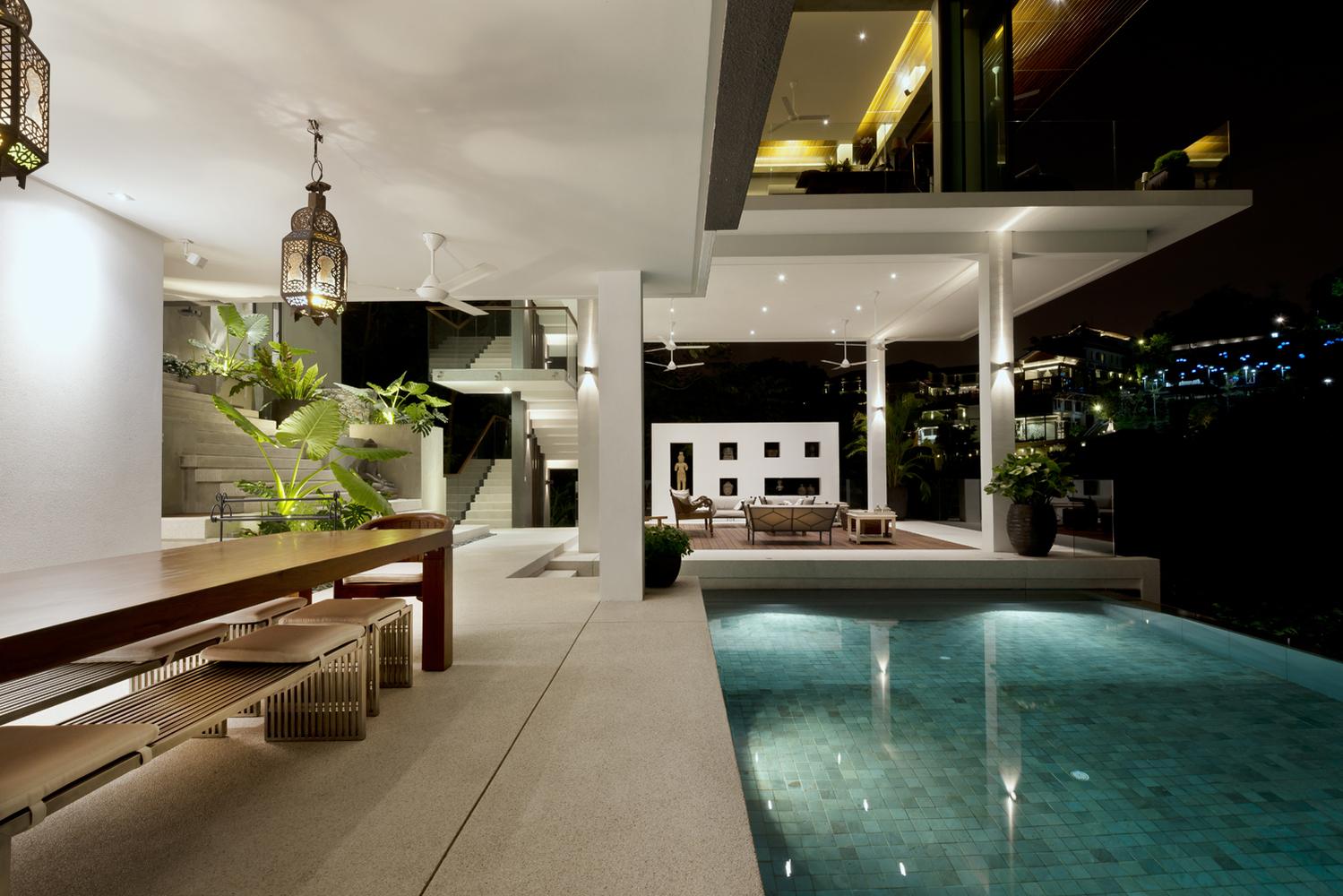 Illuminazione anche in piscina
