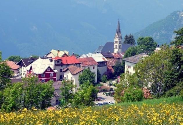 La vista su Luserna / Amministrazione comunale vo Lusern