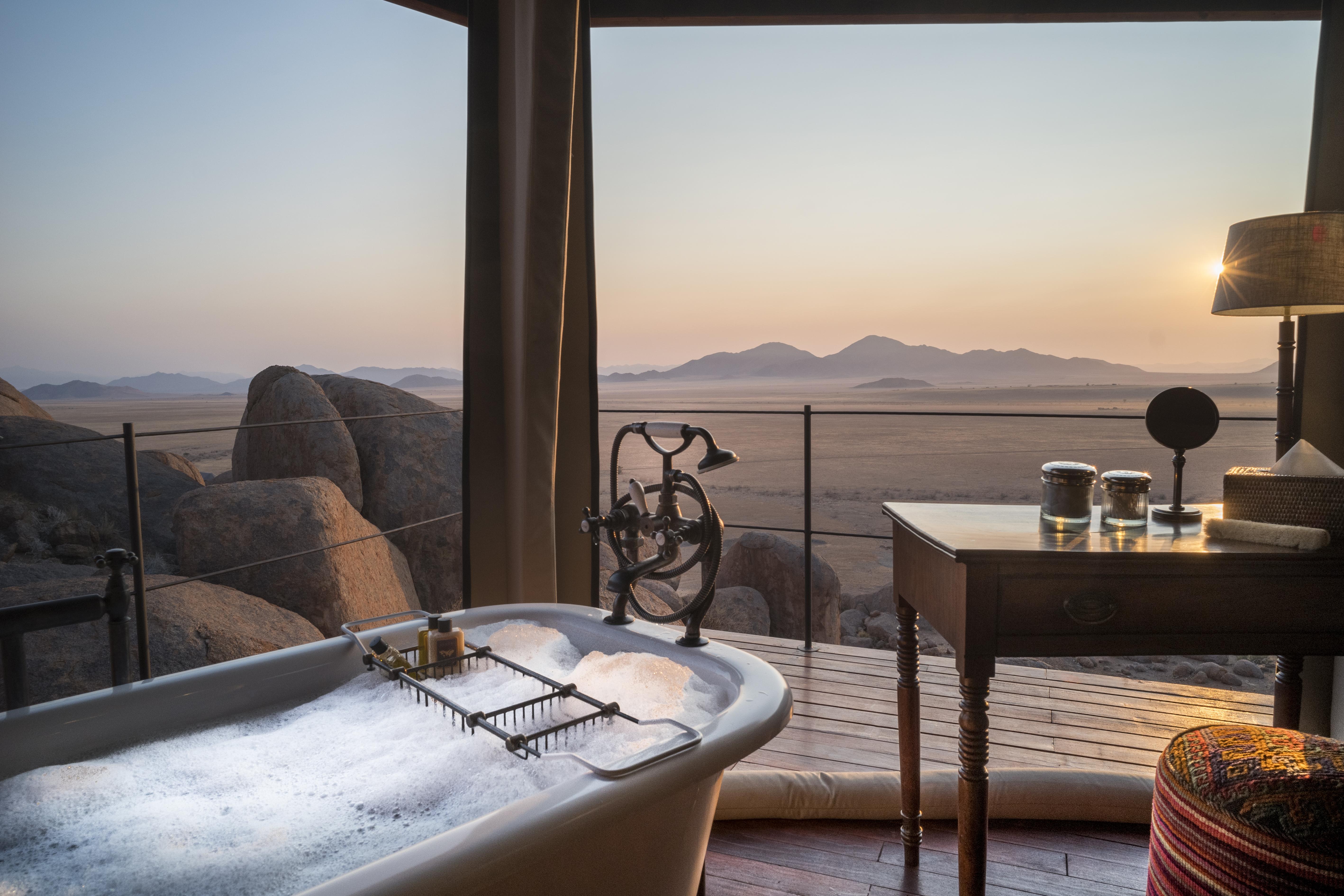Bagno con vista / Tibo Dhermy/Zannier Hotels