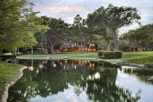 Lago artificiale / Jim Bartsch/Sycamore Valley Ranch