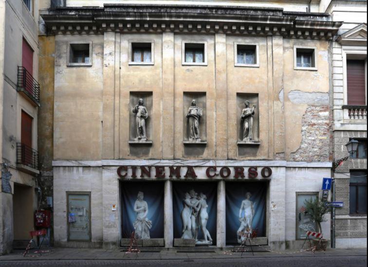 Vicenza, Italia - Cinema Corso, 2016 / ©SIMON EDELSTEIN