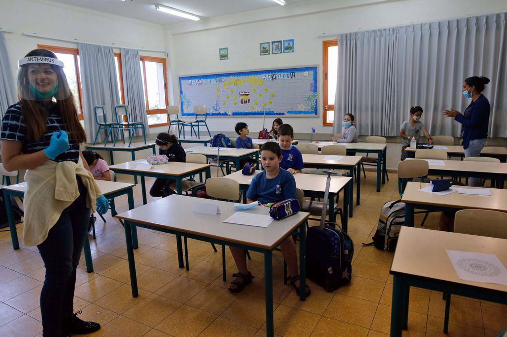 Covid, nuovo Dpcm: in zona rossa chiuse le scuole, anche gli asili