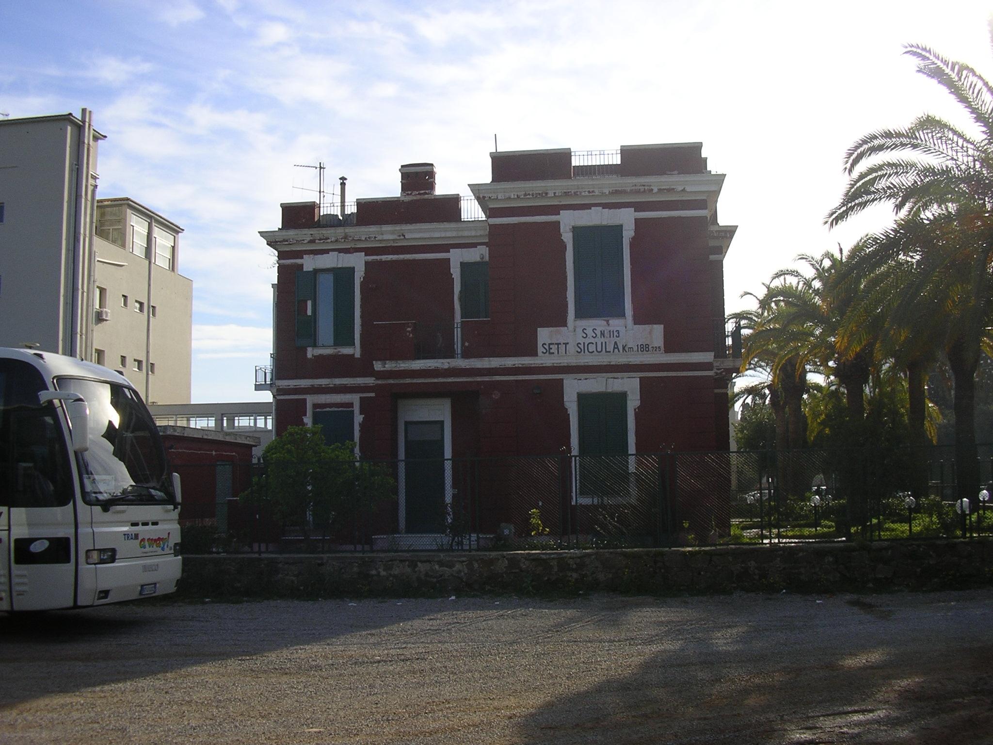 Casa cantoniera Cefalù / Anas