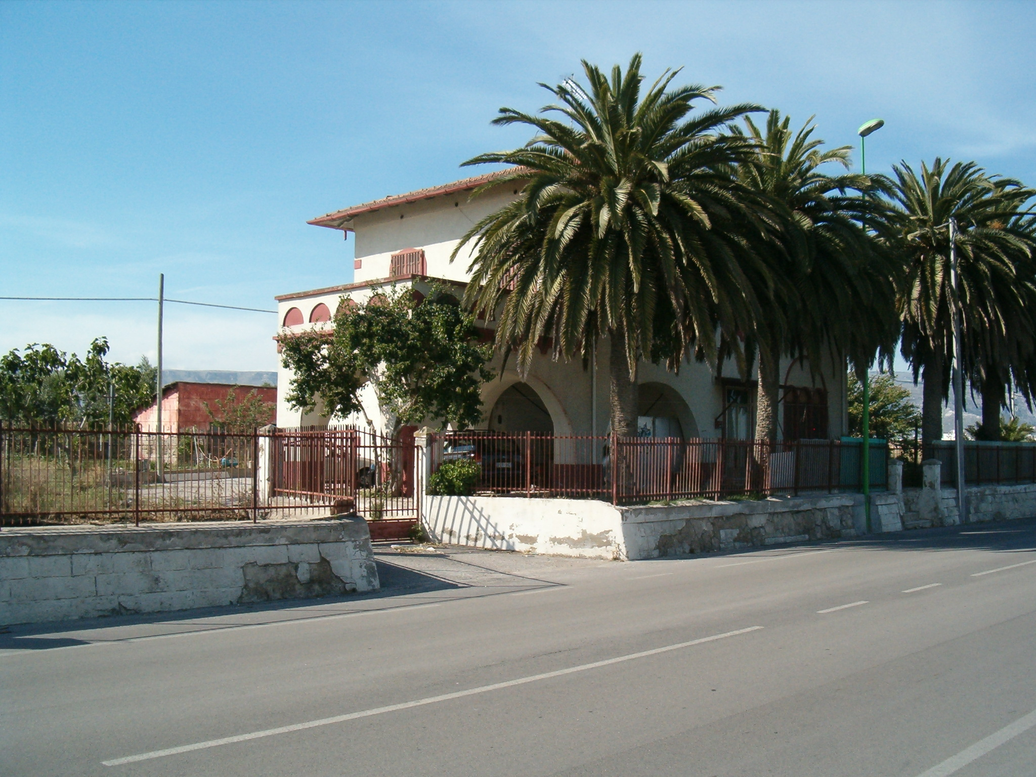 Casa cantoniera Manfredonia / Anas