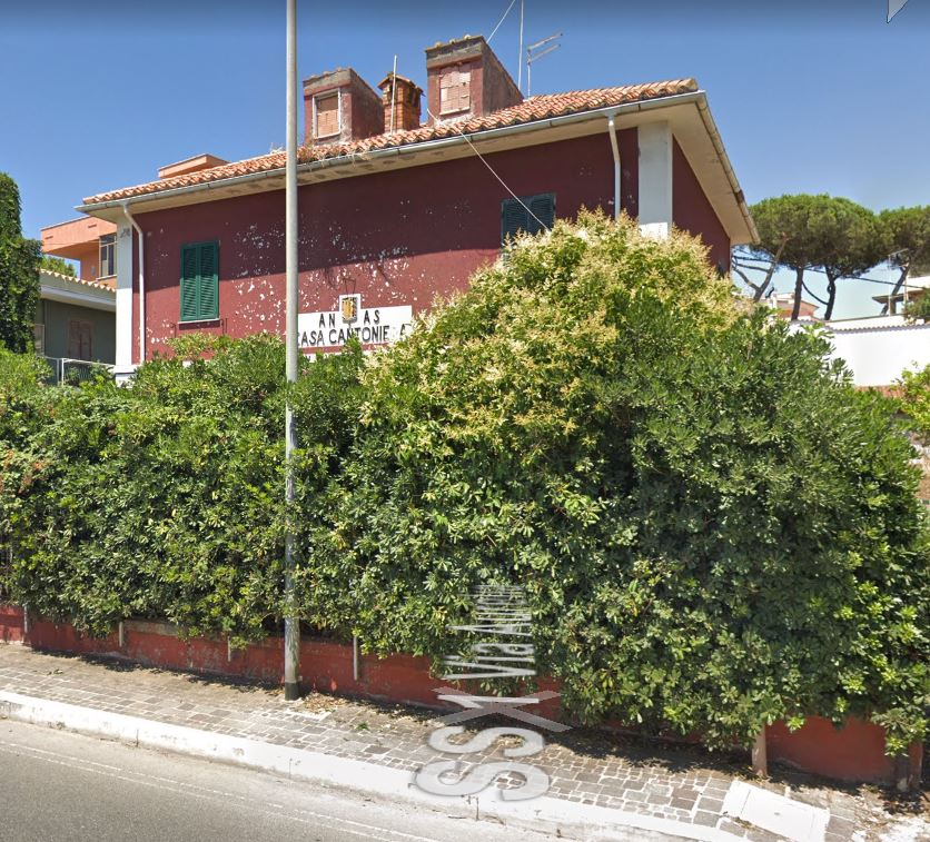 Casa cantoniera Santa Marinella / Anas