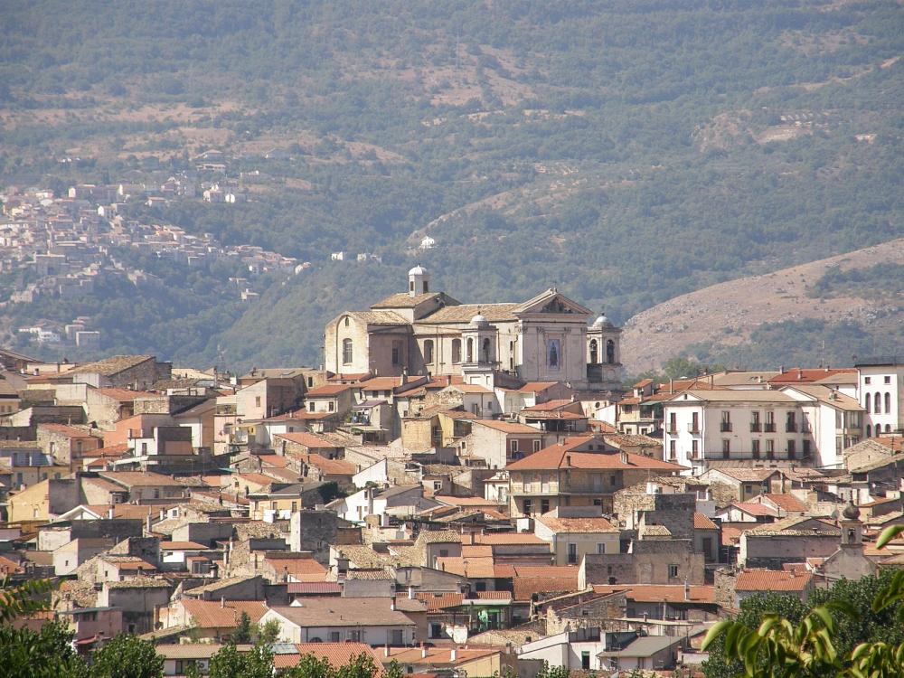 RaBoe/Wikipedia (//commons.wikimedia.org/wiki/File:Pratola_Peligna_01(RaBoe).jpg)