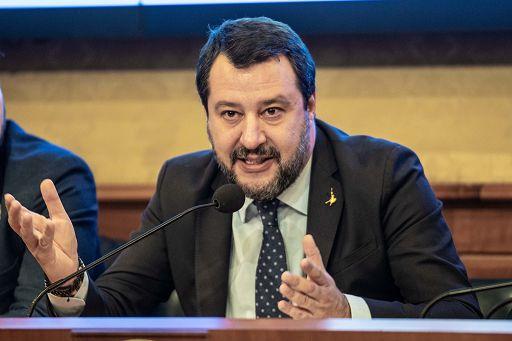 Salvini: dovere ridurre tasse su bollette, no ad aumenti su casa