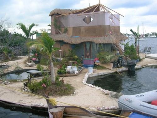 Un'isola artificiale galleggiante costruita in Messico