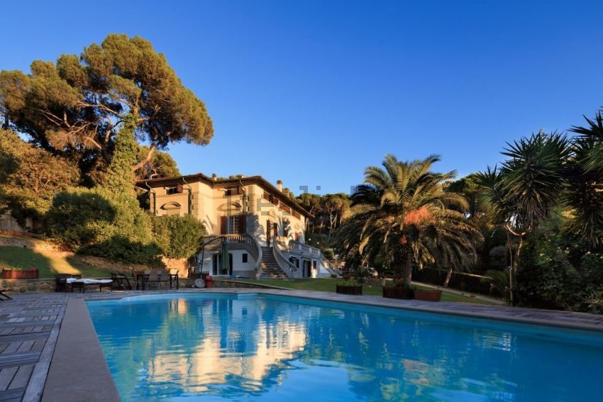 Casa o villa in vendita in via benvenuto cellini - Tuscany sotheby s international realty ...