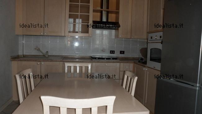 Appartamento su due piani in vendita in via corso dei for Piani di casa del mississippi