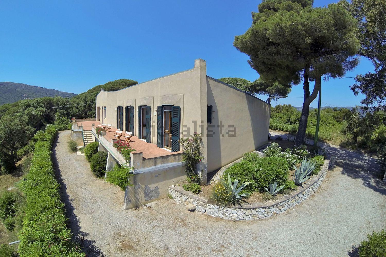 Case progettate da architetti famosi in vendita in italia for Case ristrutturate da architetti foto