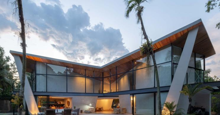 La casa che non ti aspetti: una villa in stile hollywoodiano nella foresta di Tijuca in Brasile