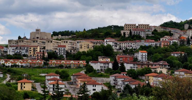 Contributo per l'affitto: il borgo di Teora offre 150 euro a chi risiede per tre anni