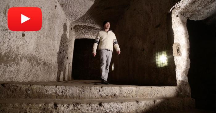 Un viaggio tra i segreti di un tunnel nascosto nei sotterranei di Napoli