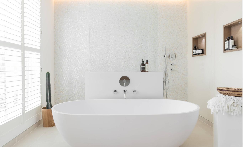 """Bagno Con Mosaico Bianco arredare il bagno con il mosaico, idee per una scelta """"in"""