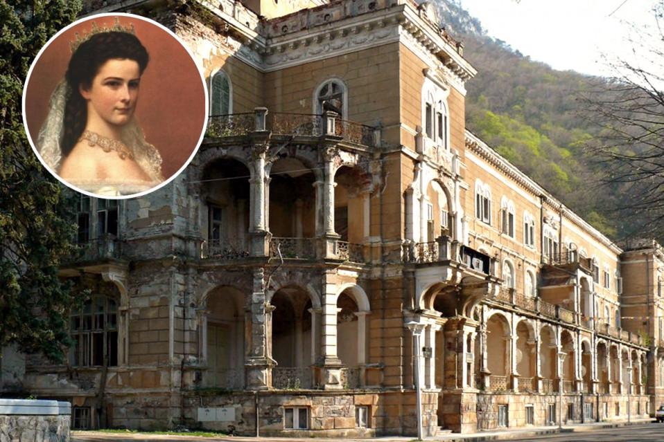 Il palazzo (in rovina) dell'imperatrice Sissi