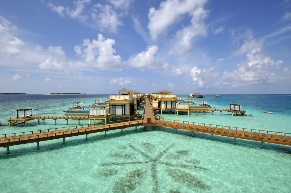 L'hotel dispone di capanne costruite sul mare