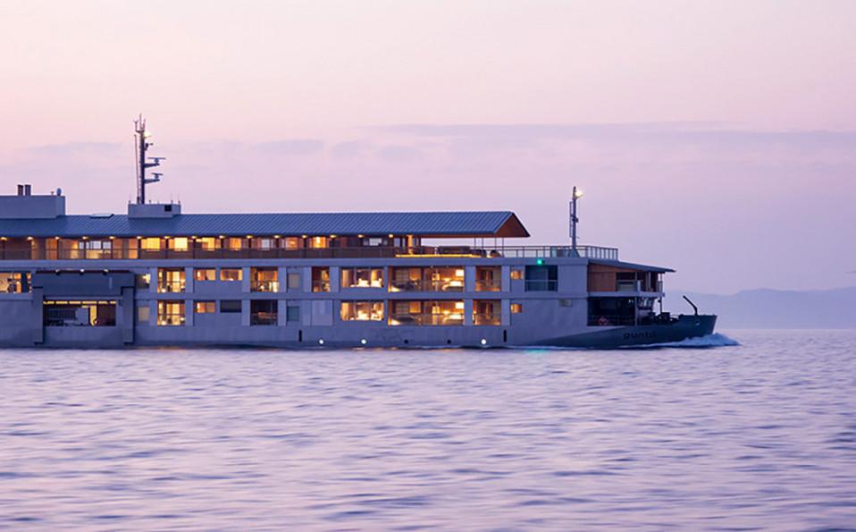 Una nave-hotel di lusso che solca il mare del Giappone — idealista/news